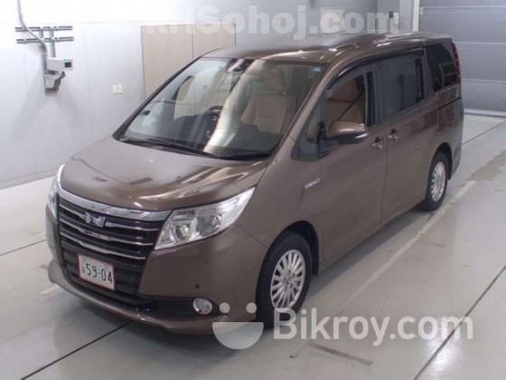 Toyota Noah G Hybrid 2014