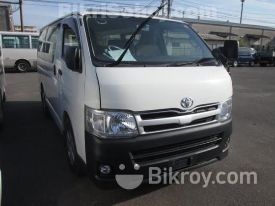 Toyota Hiace Diesel 2012