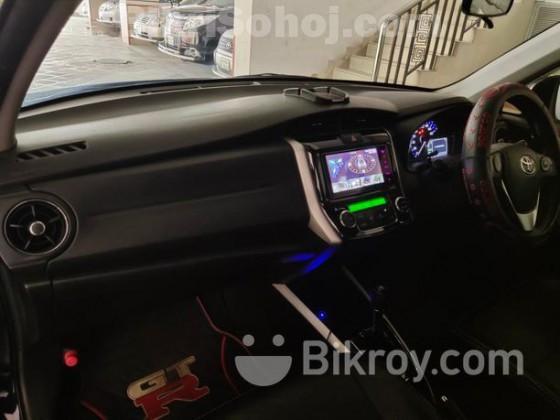 Toyota Fielder HYBRID G AERO TOURER 2015